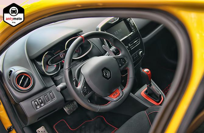 TEST: Renault Clio RS 197 vs Renault Clio RS 200