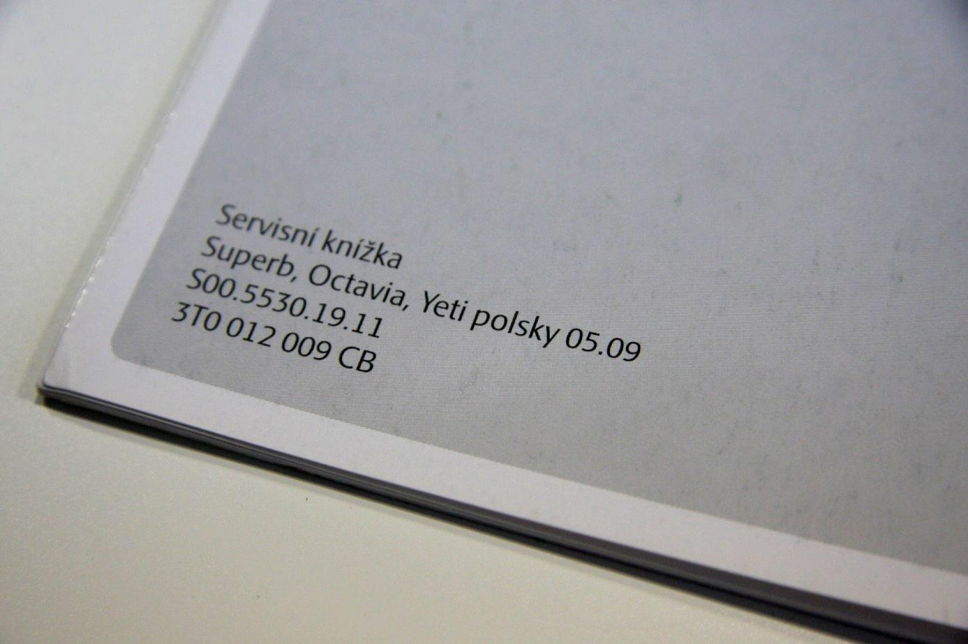 Każda książka serwisowa ma zapisaną datę druku. Łatwo więc sprawdzić, czy nie mamy do czynienia z oszustwem.