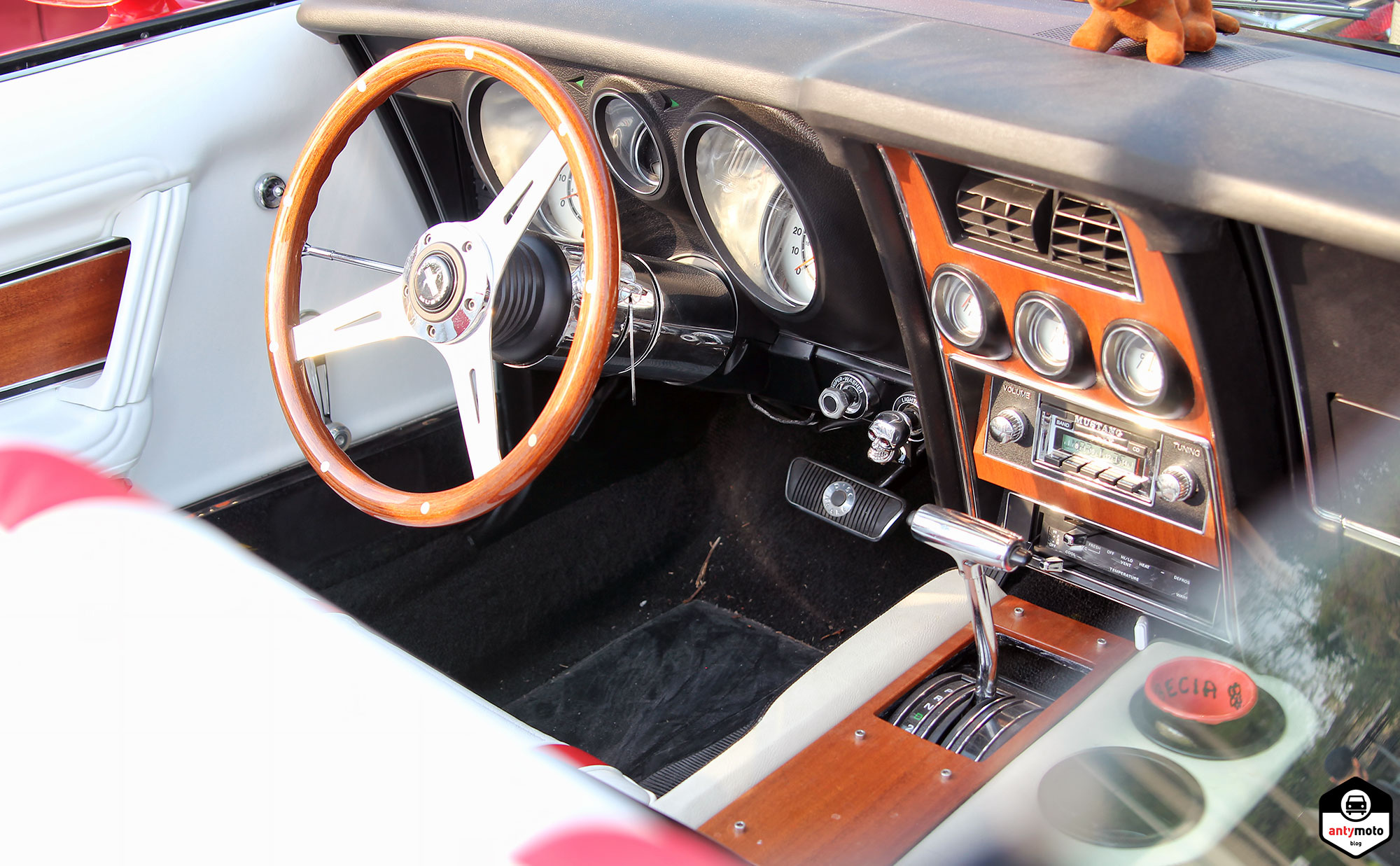musclecar interior