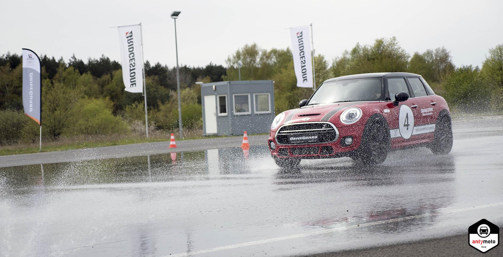 Test opon Bridgestone DriveGuard