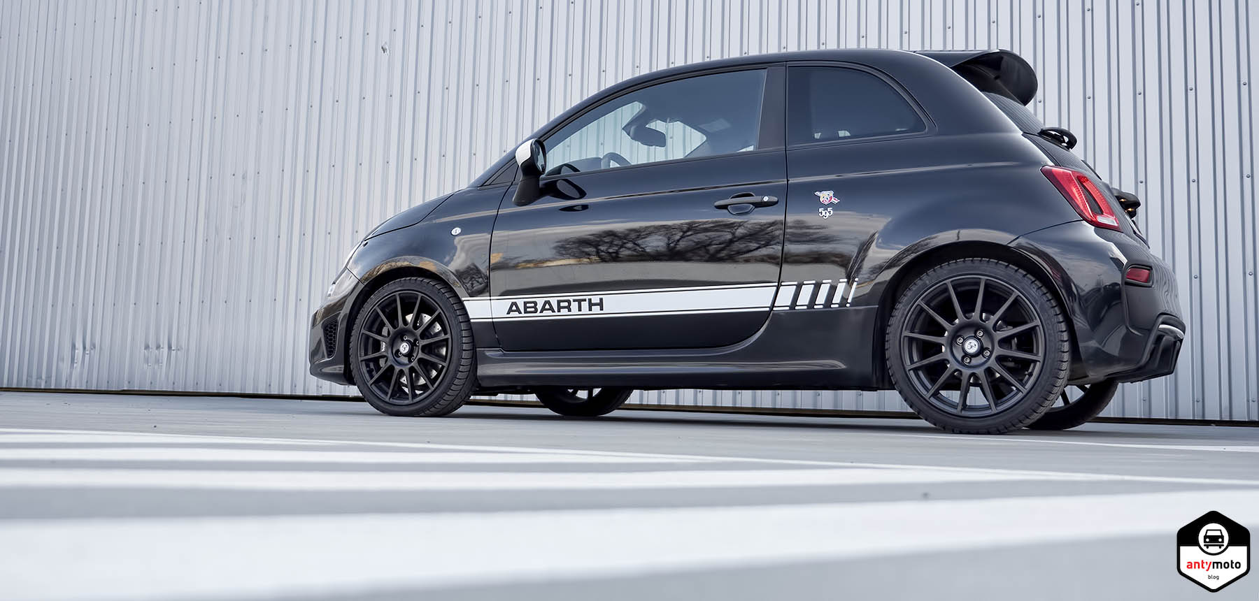 w ciek y skorpion test abarth 595 competizione. Black Bedroom Furniture Sets. Home Design Ideas