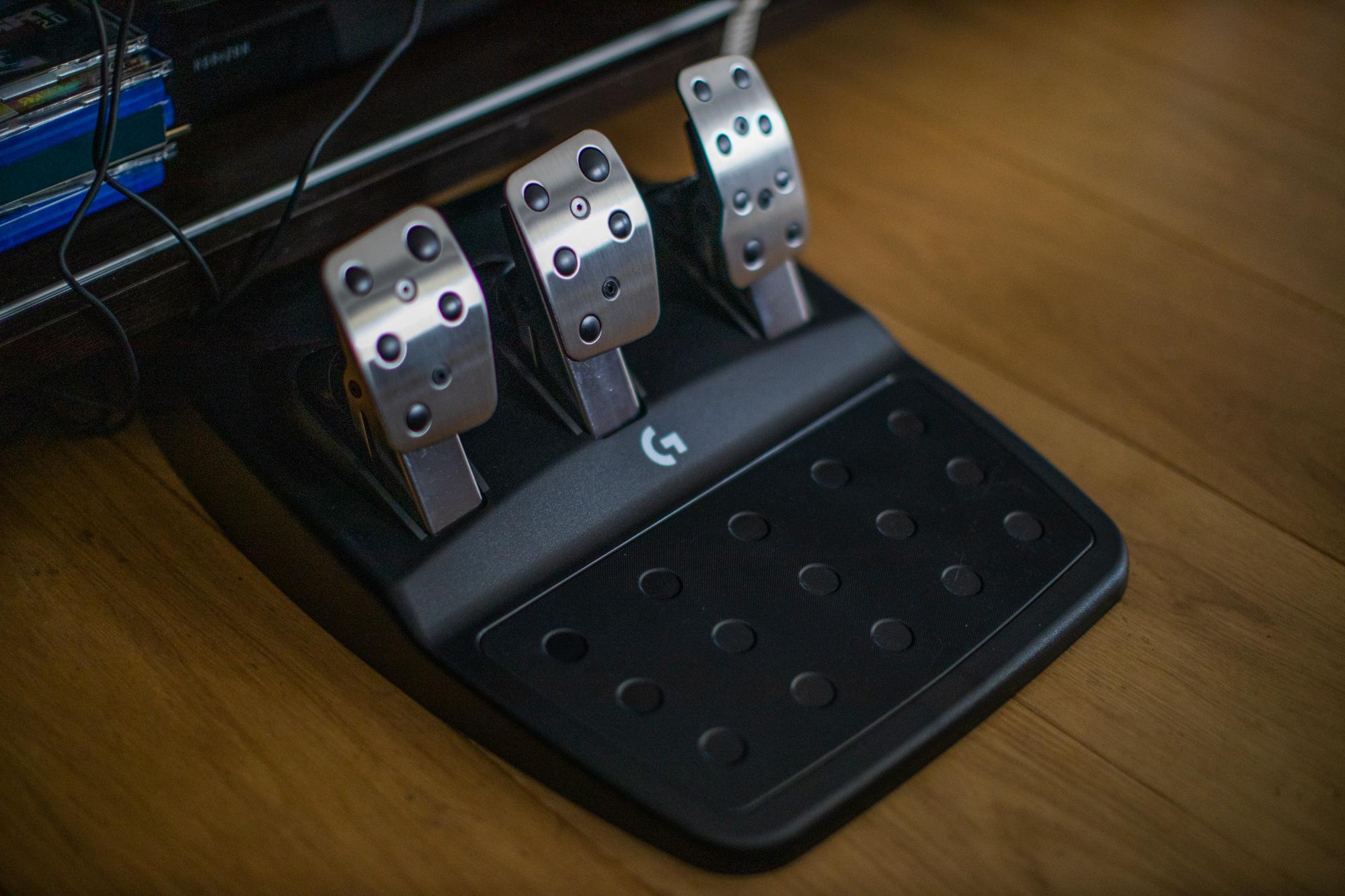 Recenzja kierownicy do gier Logitech G923